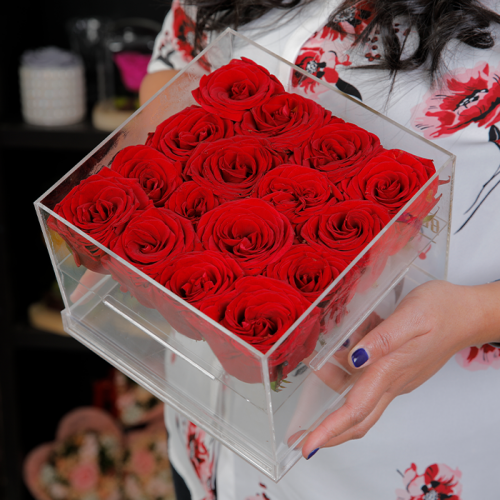 16 Red Roses In An Acrylic Box from blacktulipflowers.com