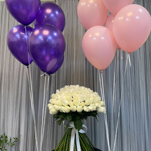 Astonishing White Roses with balloons