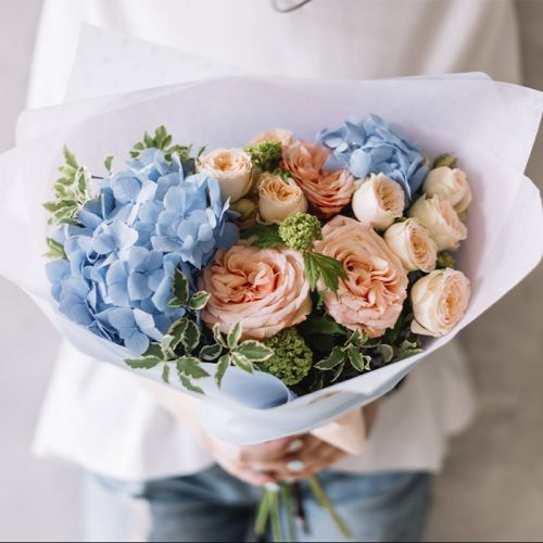 Mix Flowers in a bouquet for all occasion.