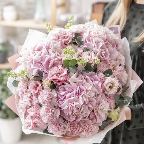 Astonishing Pink Bouquet for all occasions like Love and Romance, New Born Baby Girl, Anniversary, Welcome Back.