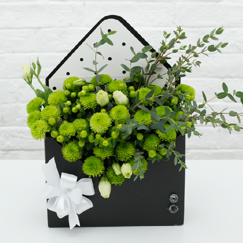 Envelope Gift Box with Green Button Chrysanthemum