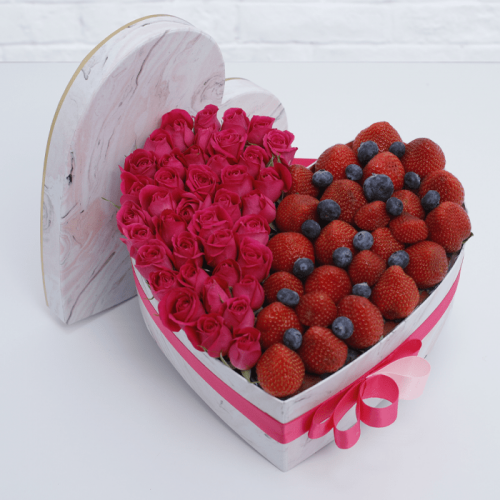 LOVE BOX WITH FRUITS
