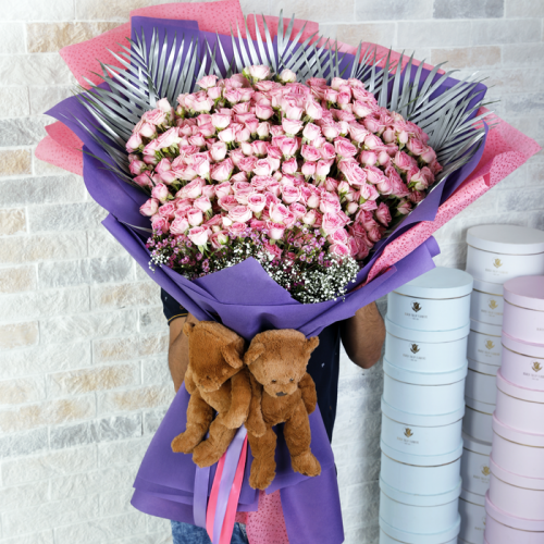 Cute and Luxurious Bouquet with Teddies