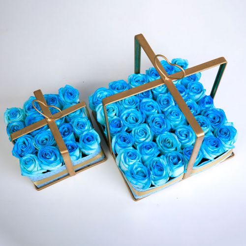 Blue Rose Arrangement for every occasion.
