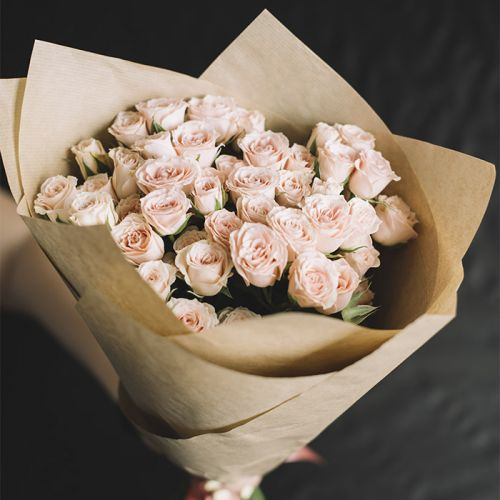 Peach Roses in a bouquet for all occasions.