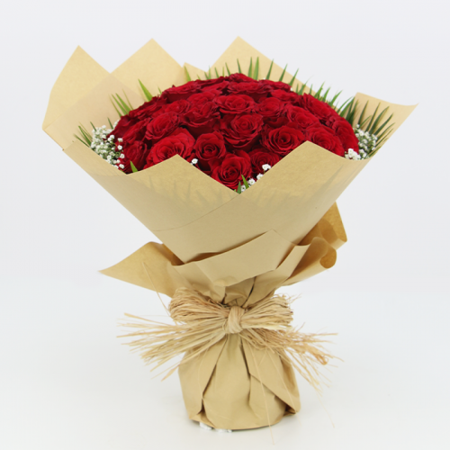 Hand Bouquet of Graceful Red Roses