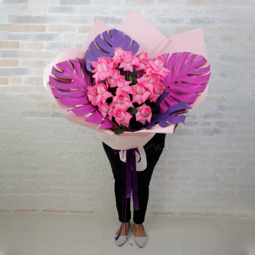 Hand Bouquet of Stunning Pink Roses