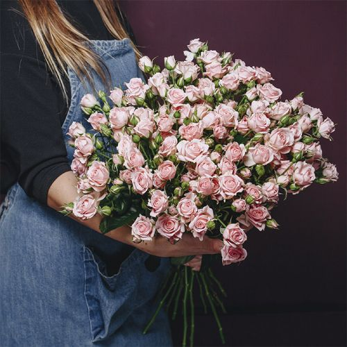 Lightning Pink Bouquet for all occasions like Love and Romance, New Born Baby Girl, Anniversary, Congratulations.