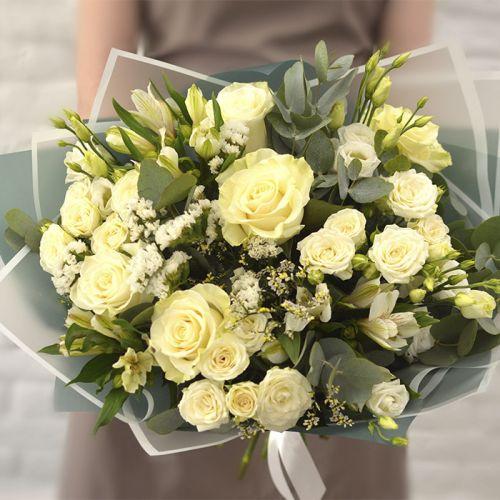Pleasant Off White Roses Bouquet