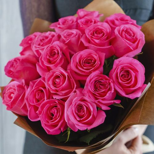 Pink Rose Bouquet to share your love and emotions.
